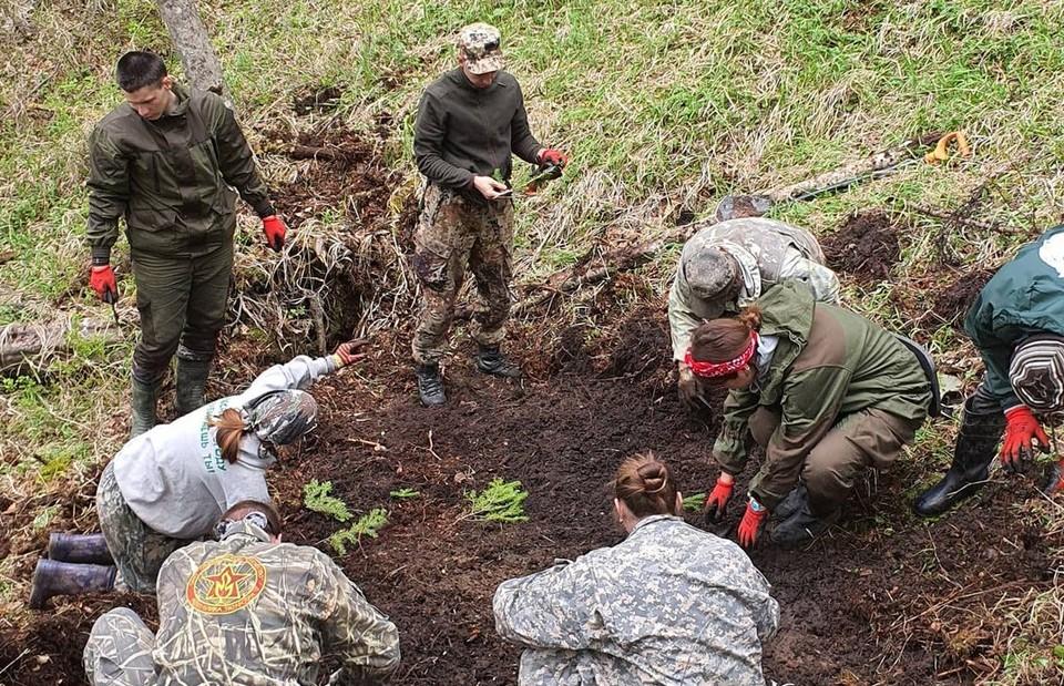 В одном из распадков горы Длинная были обнаружены останки советского солдата