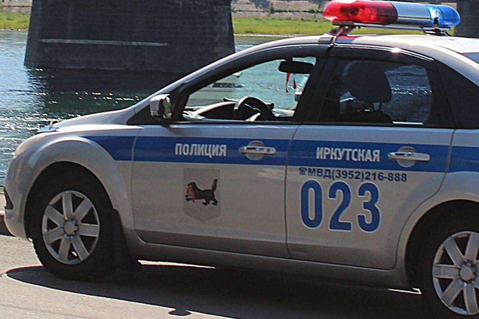 Пожилой женщине, которая потеряла сознание, помогли добраться до больницы в Иркутске