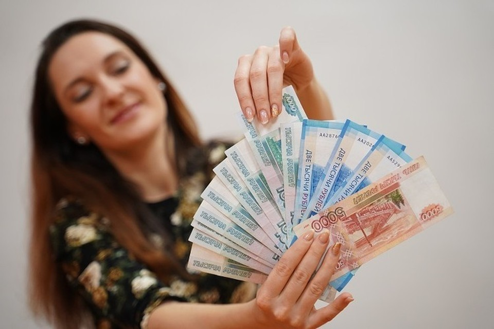 Женщина добровольно отдала мошенникам больше 6 миллионов рублей