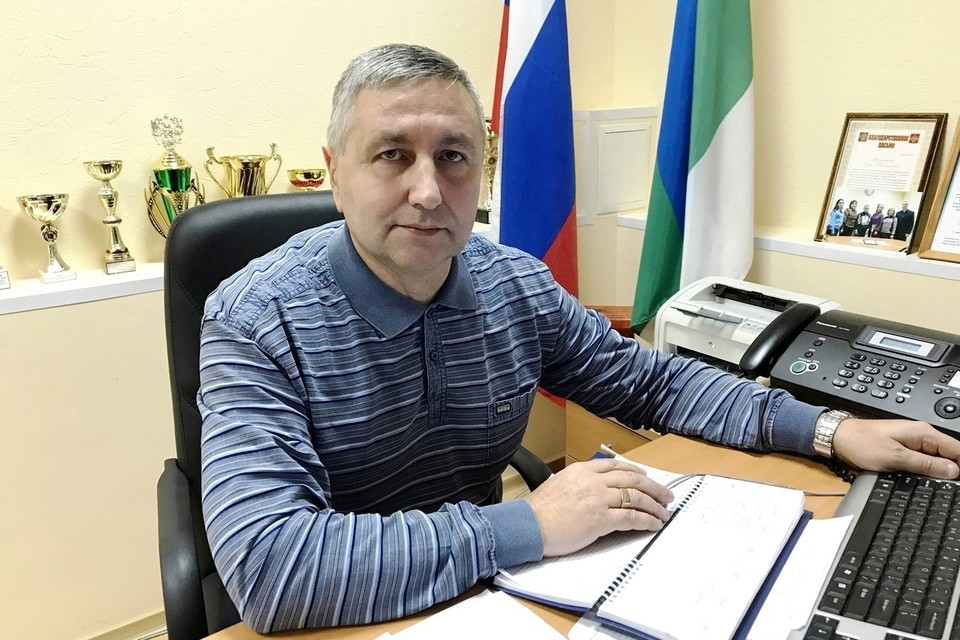 Глава сельского поселения Ижма Игорь Истомин одним из первых сделал прививку от коронавируса.