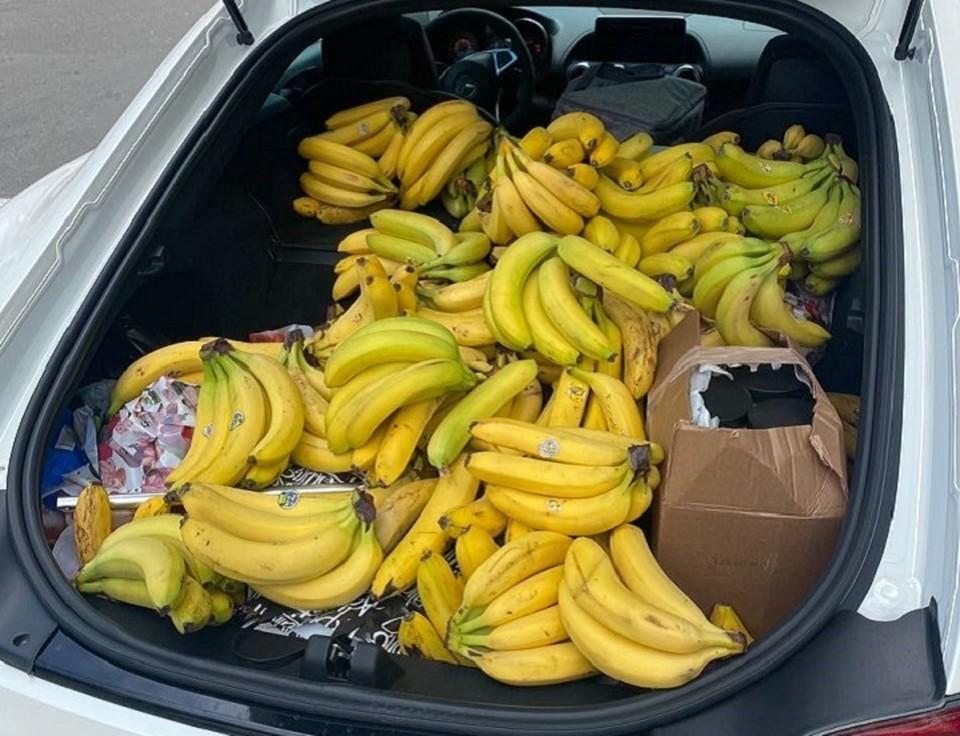 """Сам владелец пренебрежительно назвал элитное авто банановозом. Фото: """"КП"""" - Кубань"""""""