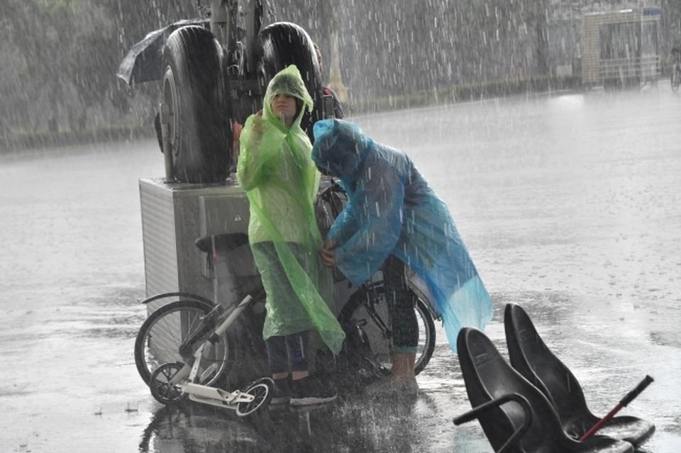 На Омск снова надвигается непогода.