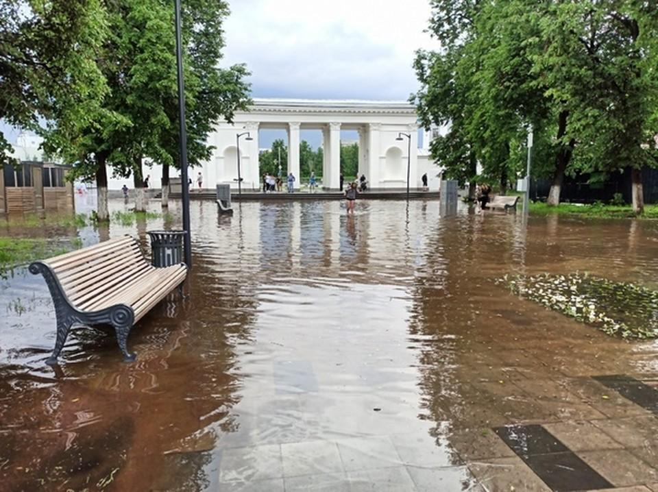 Наводнение в дзержинском парке культуры и отдыха. Фото: Плохие новости Дзержинск.