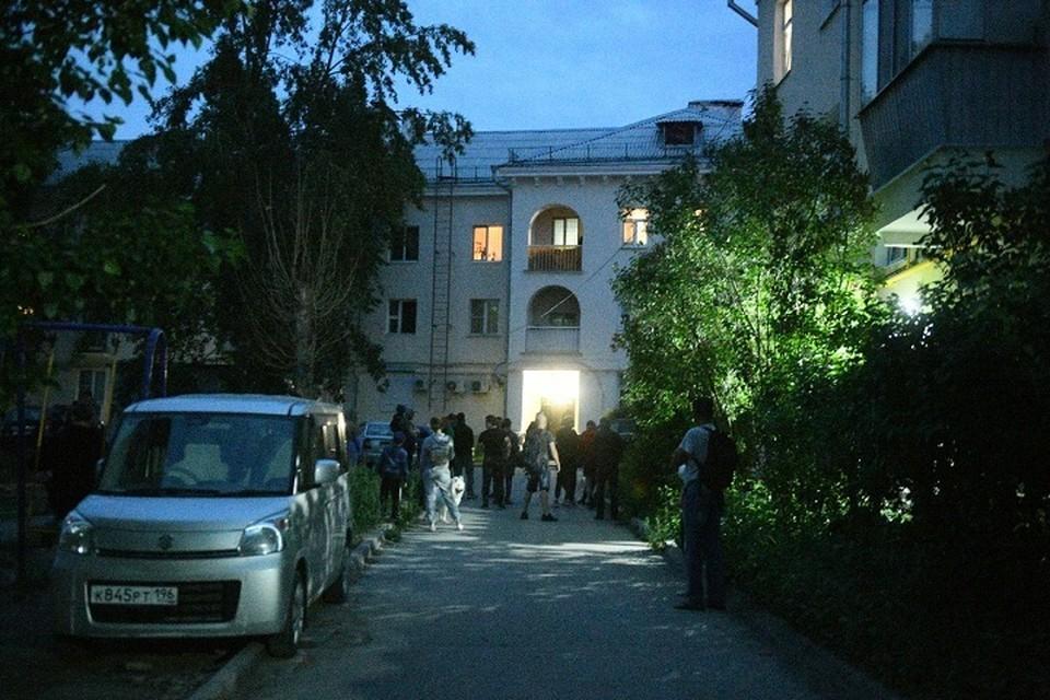 Здание, откуда стрелял Сергей, было оцеплено, пока его не задержали