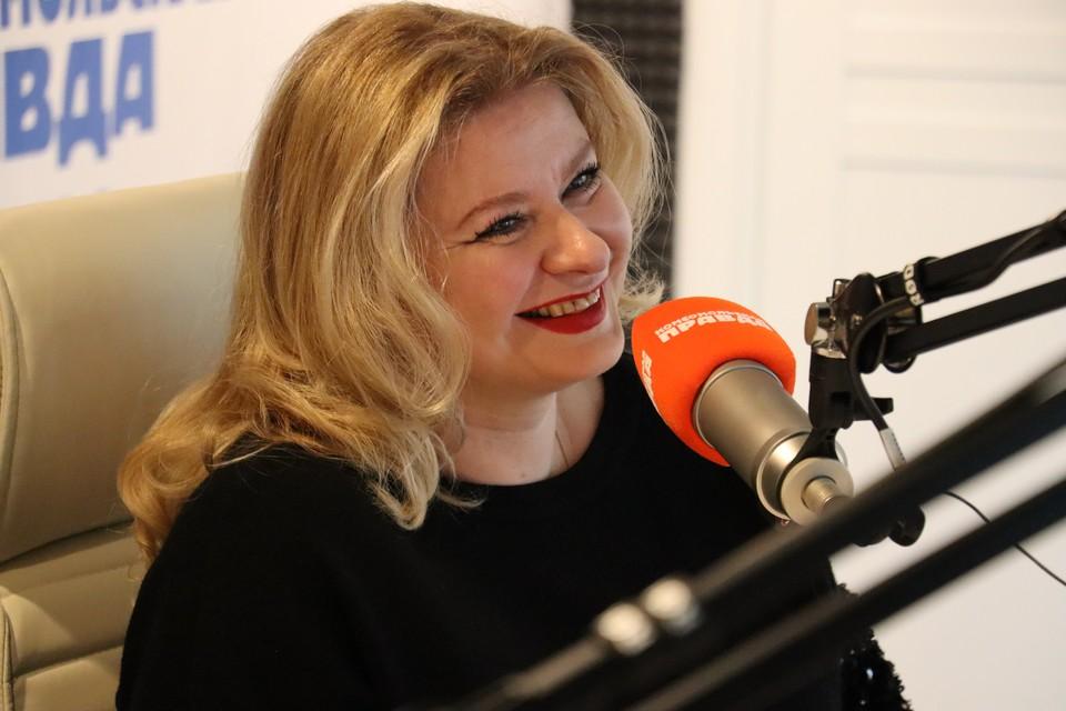 Елена Аюшеева стала гостьей прямого эфира радио «КП-Сахалин»