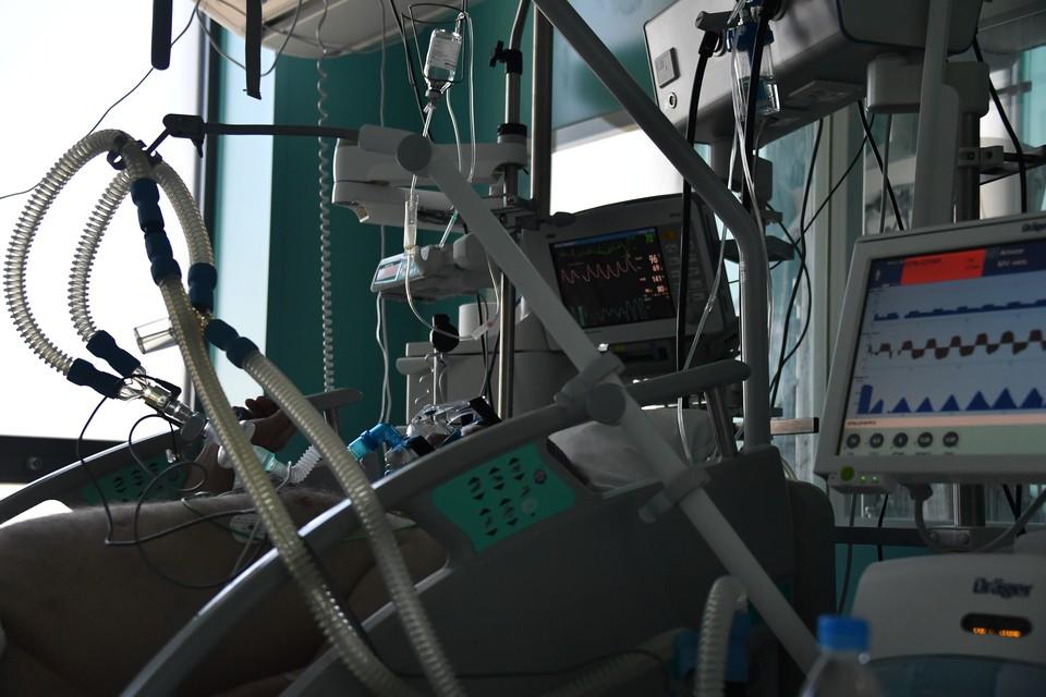 Сейчас в больницах лечат 1 186 инфицированных пациентов