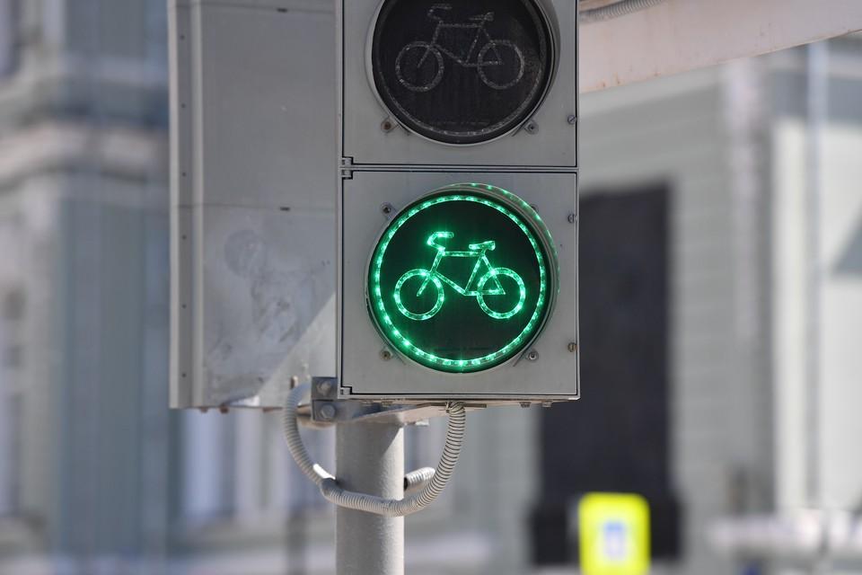 Ранее в городе проверили состояние 17 светофоров и 9 дорожных знаков