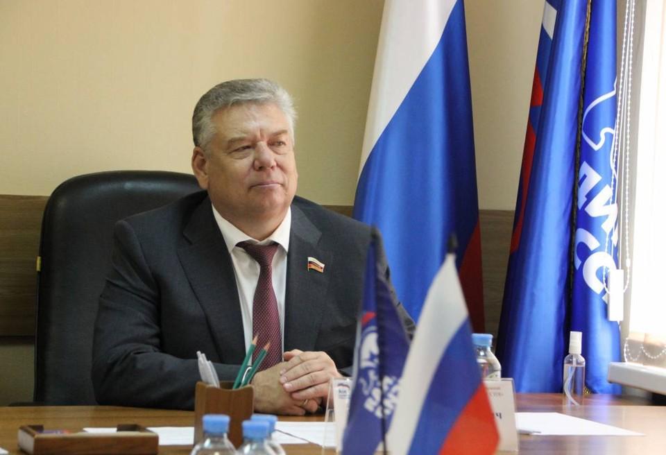 Секретарь регионального отделения партии «Единая Россия», председатель областной Думы Николай Воробьев.
