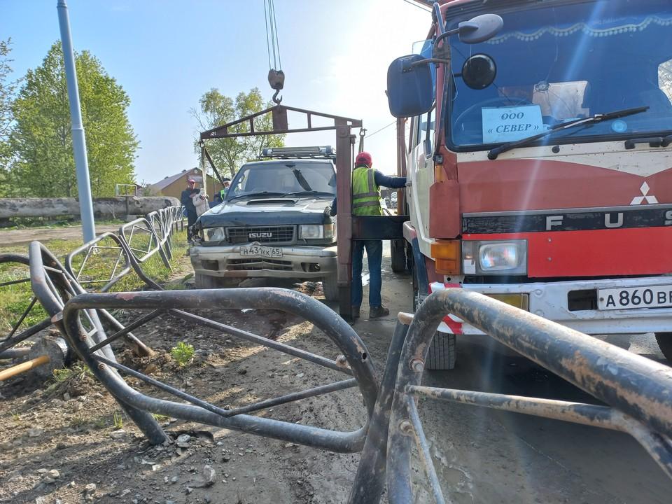 Авария произошла на улице Крайней. Фото: пресс-служба УГИБДД УМВД России по Сахалинской области