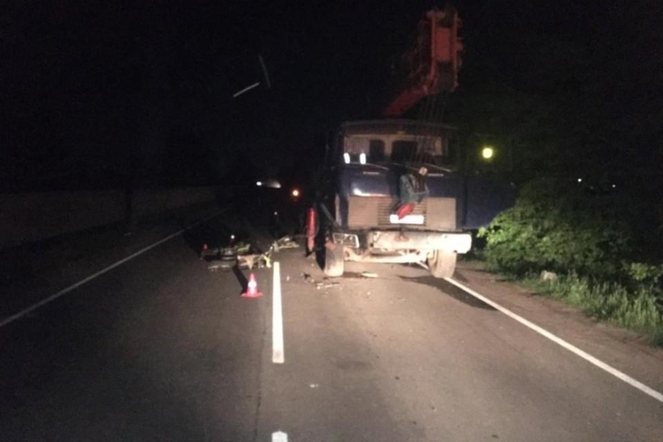 В Брянском районе 26-летний мотоциклист врезался в грузовик. Фото: УГИБДД УМВД России по Брянской области.