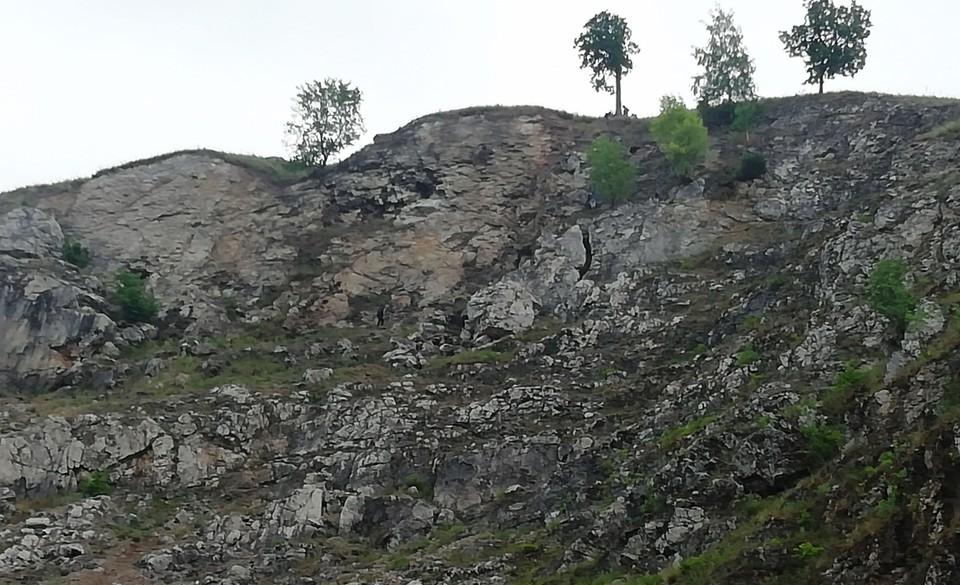 Скалы не высокие, но опасные. Фото: ГУ МЧС по Челябинской области