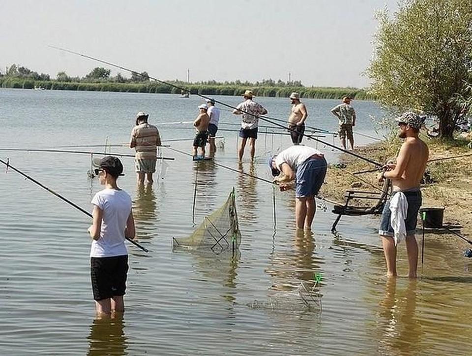 Рыбалка в нашей стране не только хобби, но еще и способ выживания.