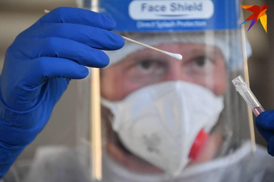 Все жители Мурманской области, вернувшиеся из-за границы, должны сдать два теста на коронавирус.