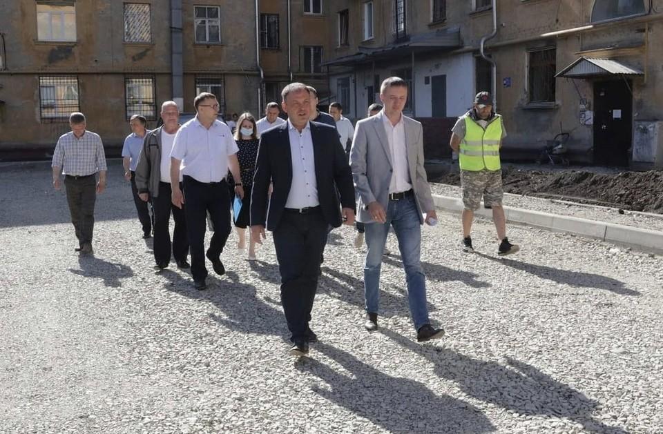 Мэрия Кемерова рассказала, чем обернулась экономия на ремонте дворов в городе. Фото: instagram/ilyaseredyuk.