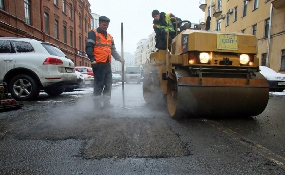 Мошенничество при ремонте дороги на 910 тысяч рублей выявили в Смоленске.