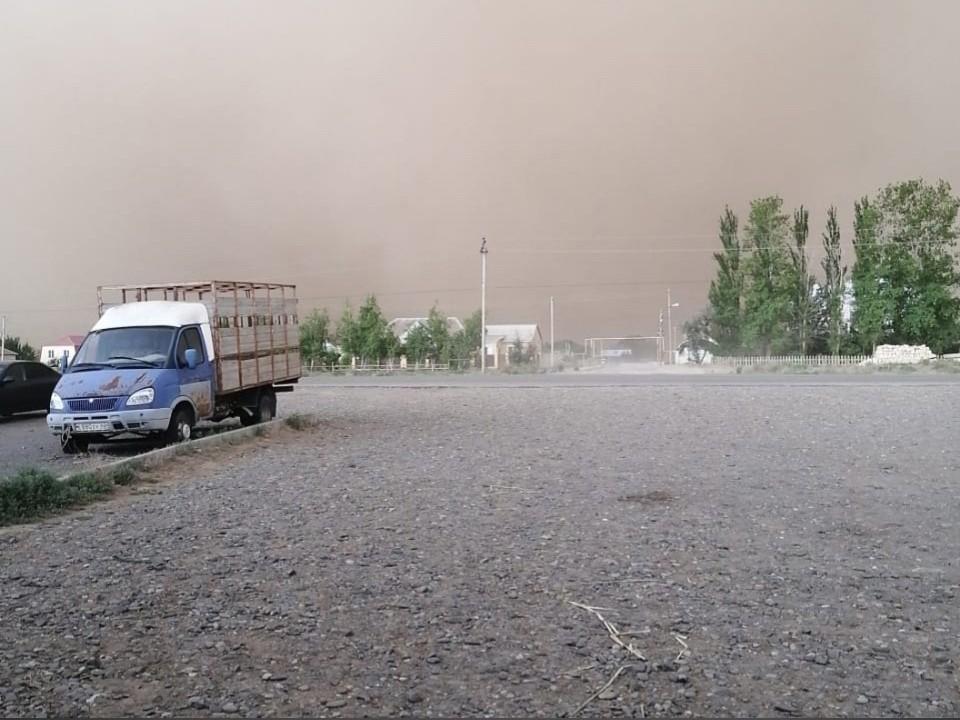 Пыльные бури продолжают нападать на Астраханскую область