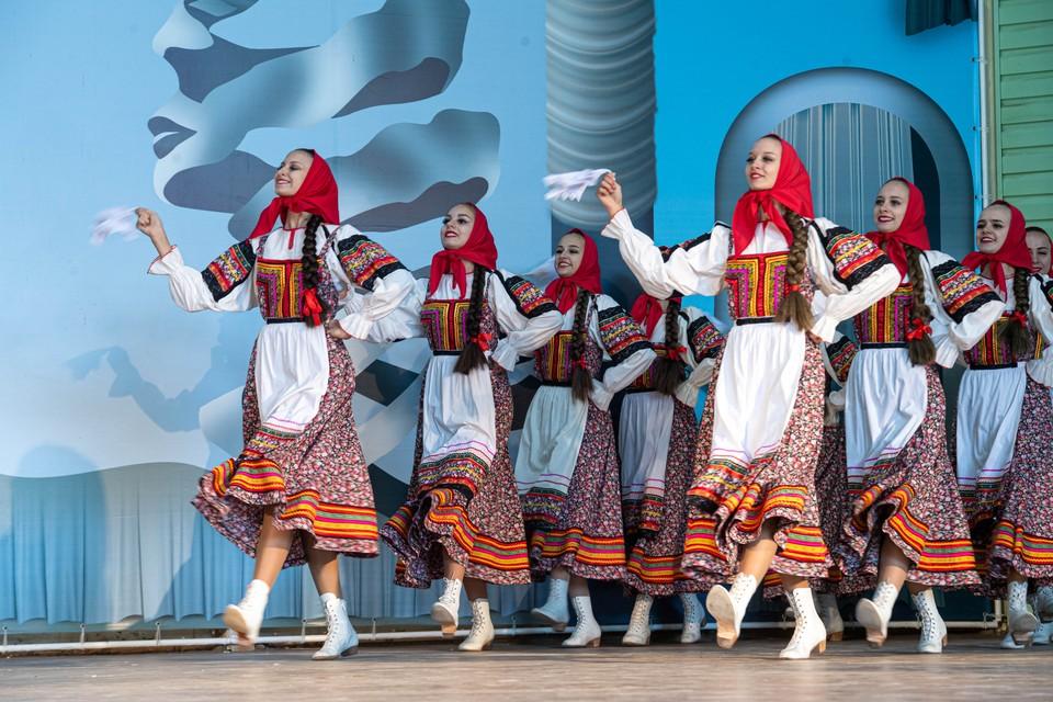 Зрители фестиваля увидят программы лучших исполнителей и творческих коллективов Кузбасса.