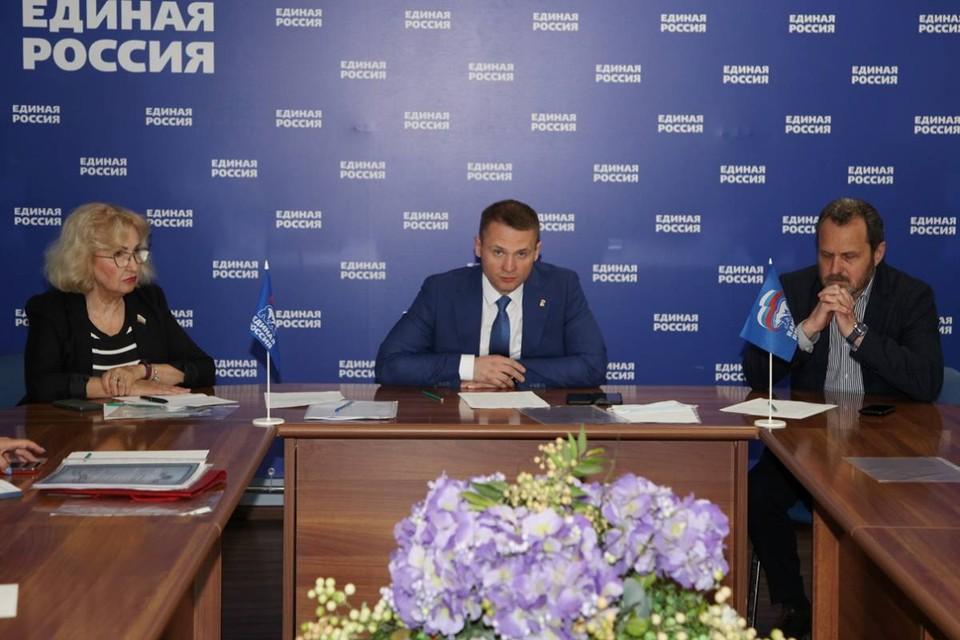 Слева направо: Татьяна Панфилова, Егор Бурцев, Александр Шевырев.