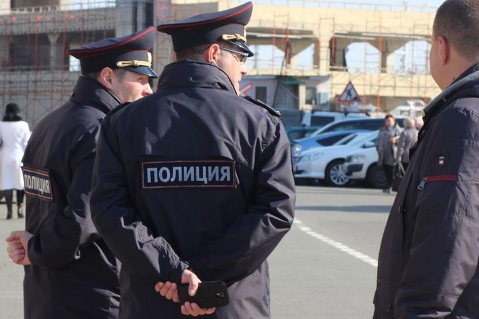 Во Владивостоке полиция разыскивает нападавших.