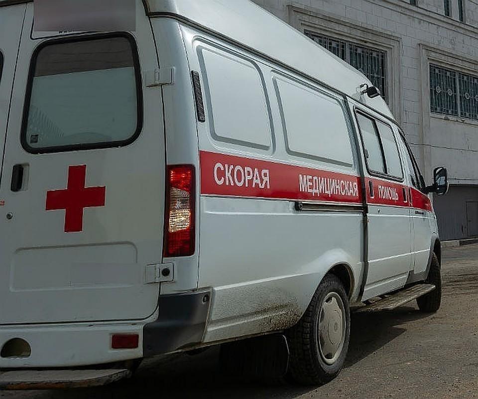 Пострадавших женщину и девушку на скорой отвезли в больницу.