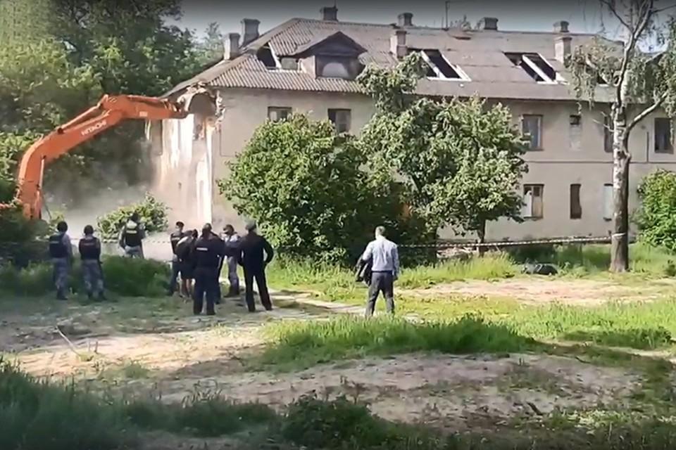 """Фото: кадр из видео, """"Типичный Брянск""""."""