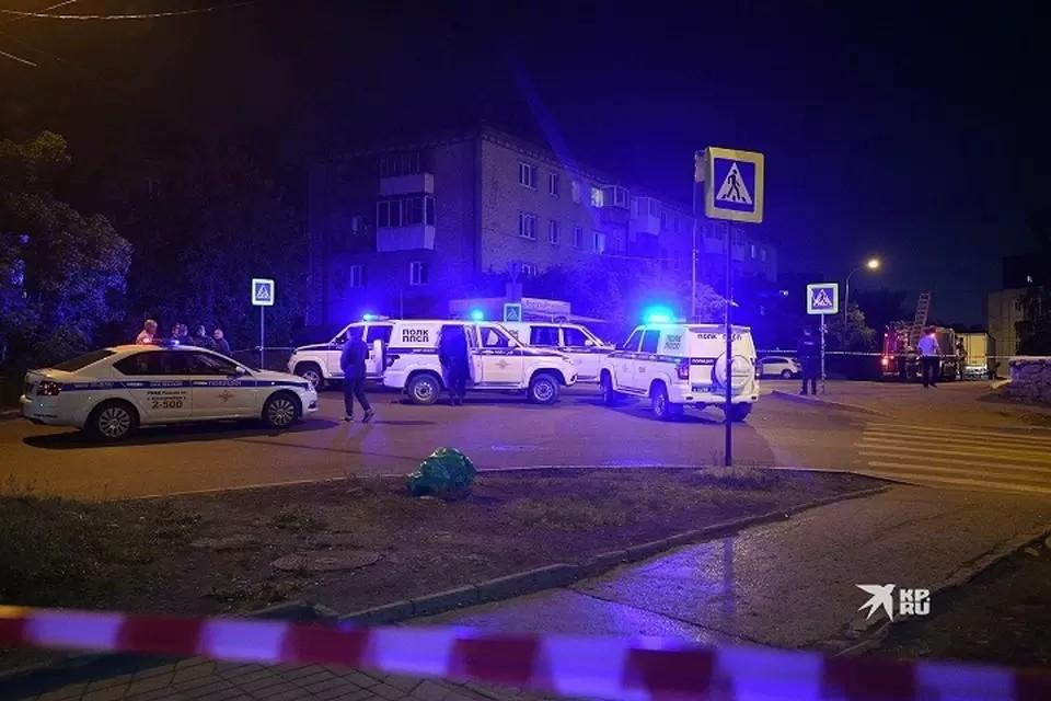 30 июня Сергей Болков, стреляя со своего балкона, попал ребенку в живот.