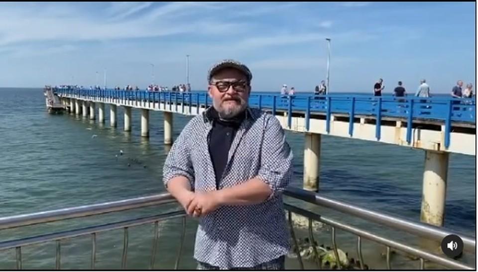 Александр Васильев на променаде в Зеленоградске.