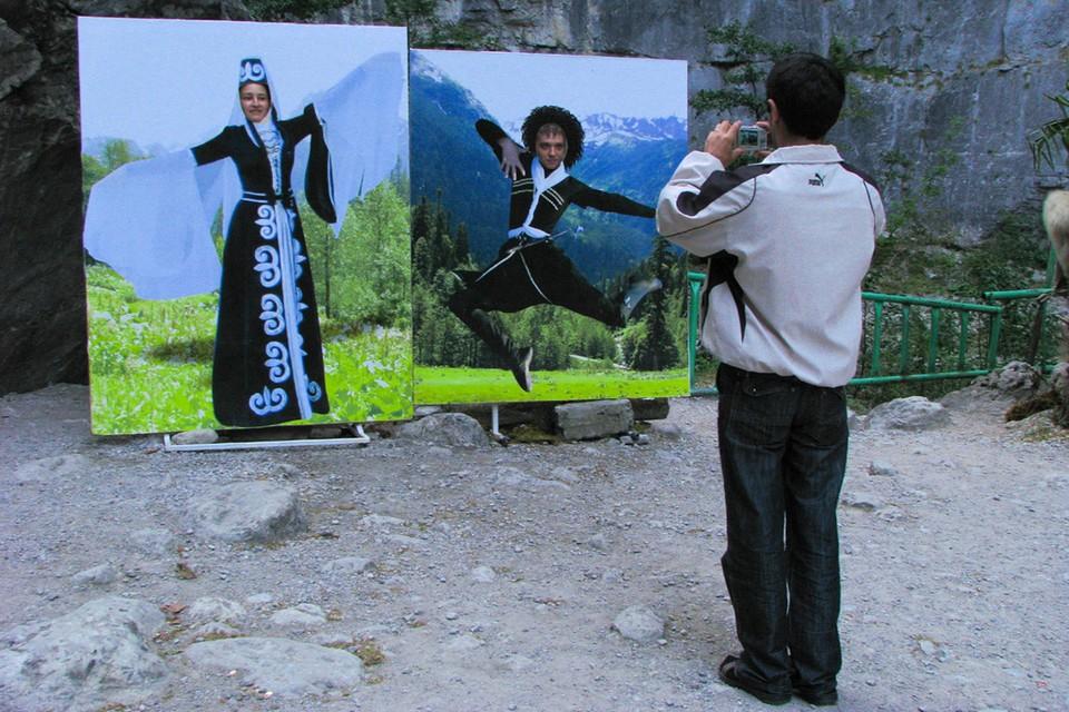 Абхазия живет своей жизнью - за неимением туристов (из-за пандемии), здесь стал модным майнинг.