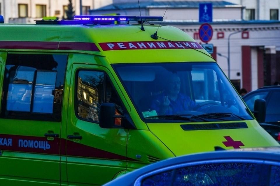 Мужчина, упавший с моста, погиб на месте.