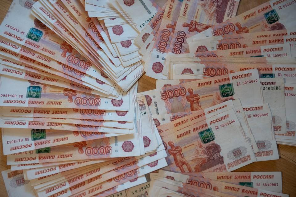 Бухгалтер начисляла выплаты сотрудникам ОМВД России по Ракитянскому району, которые переводила на свой счет и распоряжалась по своему усмотрению.