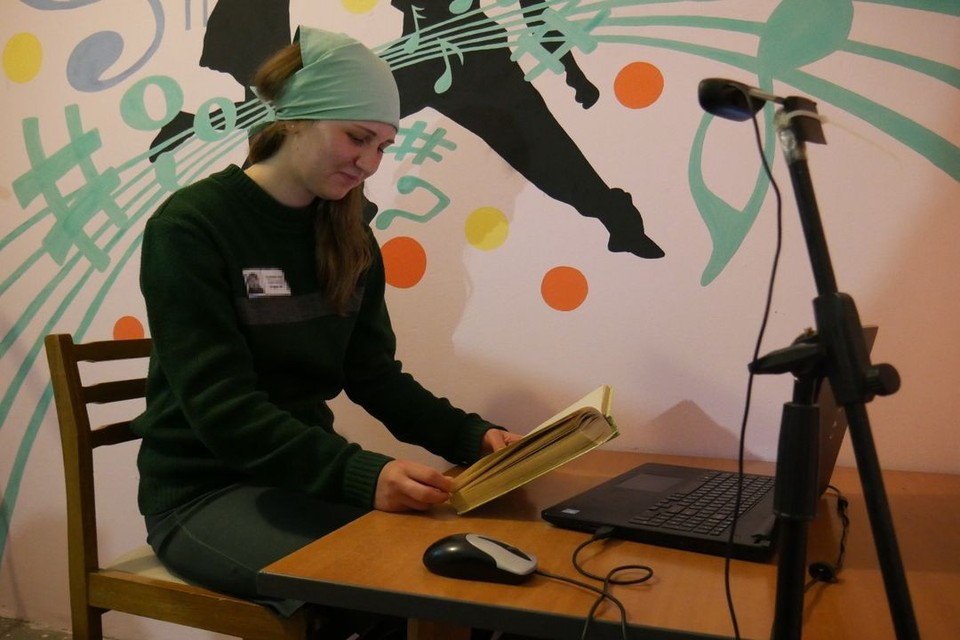 Осужденные из новосибирских колоний записали аудиосказки для детей. Фото: ГУФСИН по НСО
