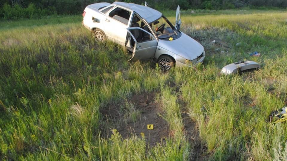 Авария произошла около 20 часов 9 июня на 25-м километре автодороги Уральск — Аксай.