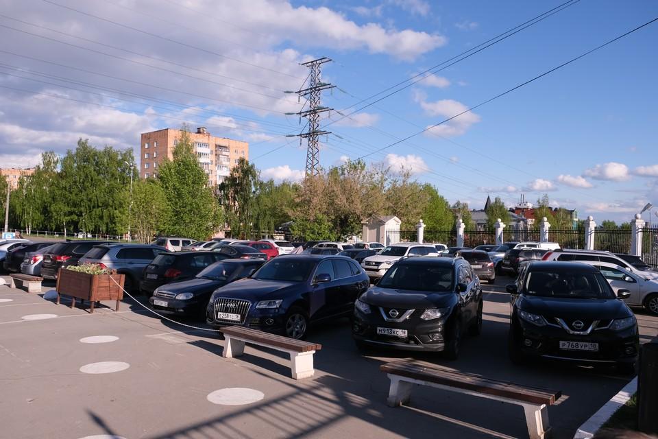 В Ижевске планируют разместить платные парковки