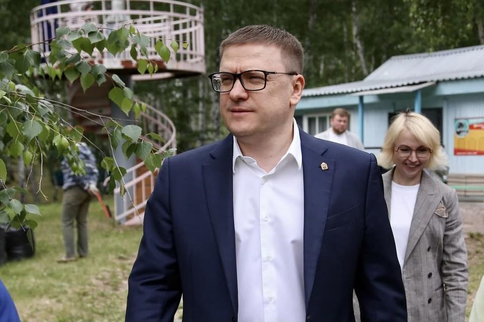 Алексей Текслер приехал в самый обычный детский лагерь. Фото: gubernator74.ru