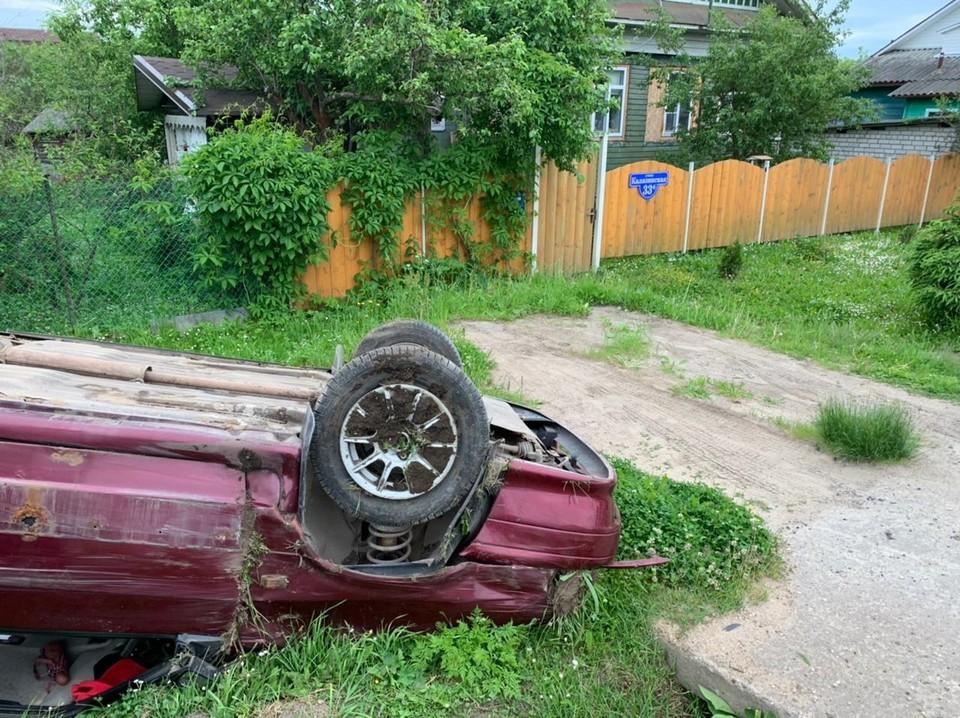 Пьяный водитель опрокинулся с дороги Фото: УГИБДД России по Тверской области