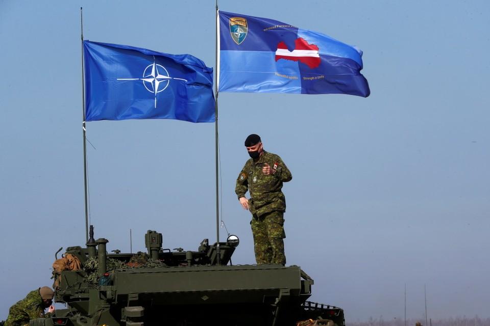 Инфраструктура альянса разбухает и все ближе приближается к российским границам
