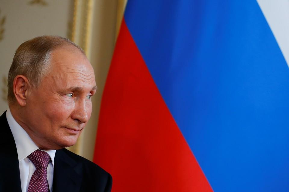 Дмитрий Песков заявил, что Владимир Путин по-прежнему готов встретиться с Владимиром Зеленским