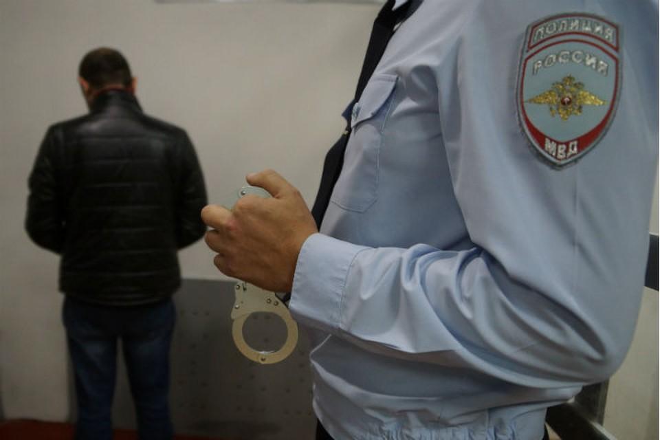 200 тысяч рублей штрафа заплатит продавец обуви за попытку дать взятку полицейскому в Иркутской области