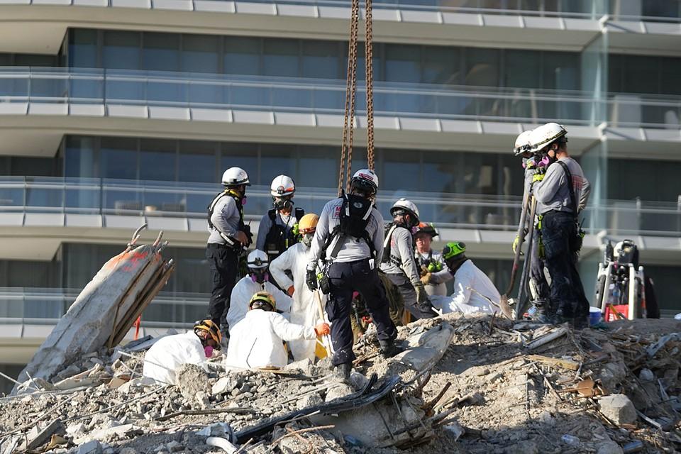 Спасатели обнаружили тела еще четверых погибших