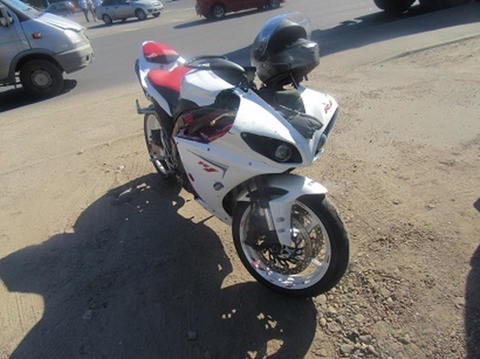 В Смоленске водитель мотоцикла YAMAHA пострадал в ДТП с «ВАЗ 21127». Фото: ГИБДД России по Смоленской области.