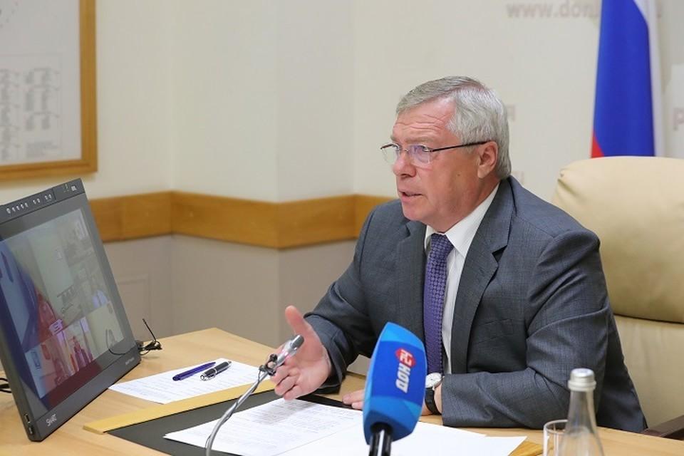 Также Василий Голубев поручил провести ревизию лекарств и медоборудования. Фото: сайт правительства РО