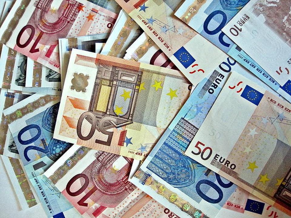 """Свыше восьми млн.евро израсходовала ПДС на """"поддержку дружественных партий"""" в нынешней избирательной кампании. Фото:соцсети"""