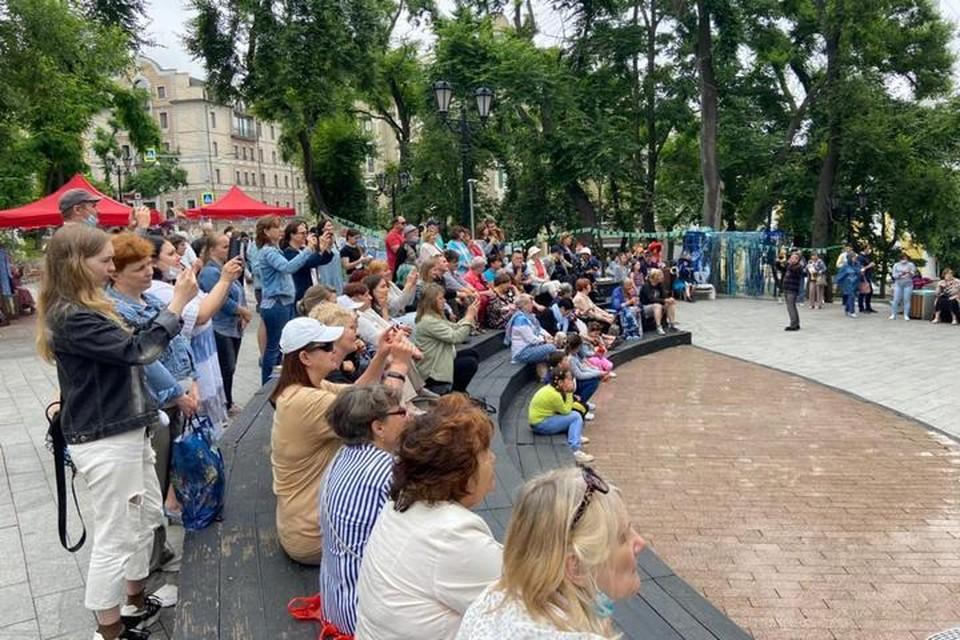 Во Владивостоке прошел первый городской фестиваль «У синего моря». Фото: Екатерина Корсакова.