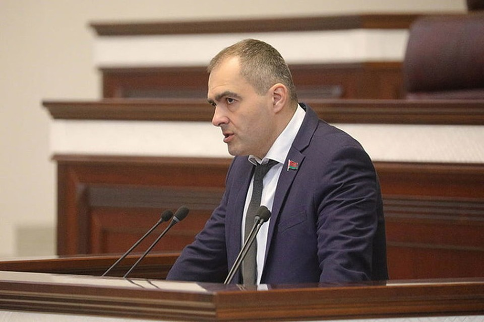 Депутат убежден, что ночной инцидент связан с его политическими взглядами. Фото: БЕЛТА