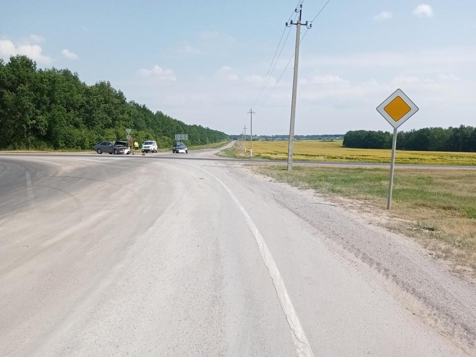 В аварии на трассе «Орел – Тамбов» пострадали три человека. Фото Госавтоинспекции Орловской области.