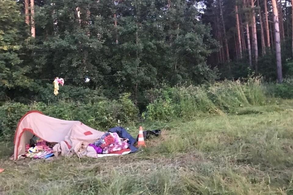 Девочку, на которую в палатке наехал кроссовер, перевели из реанимации. Фото: ГУ МВД по НСО