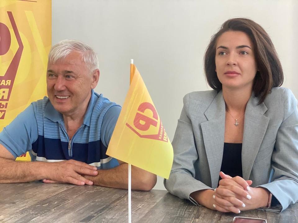 В течение одного дня в Евпатории прошло сразу несколько встреч партийцев с местными жителями, ветеранами, предпринимателями, властями города.