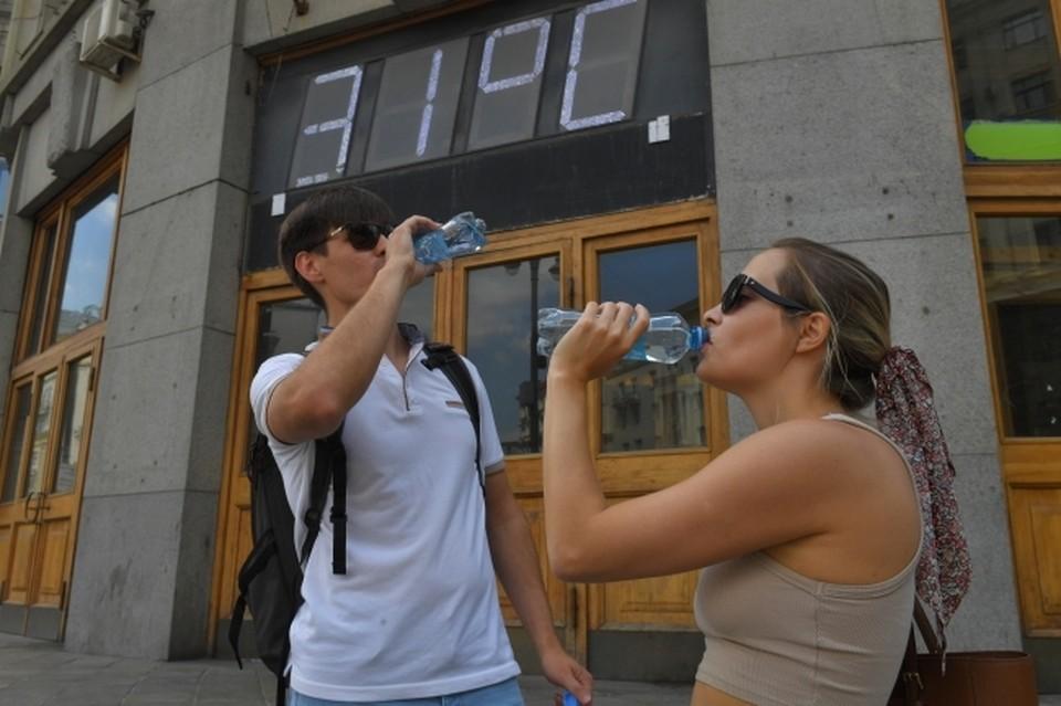 В июльское пекло жизненно важно соблюдать питьевой режим