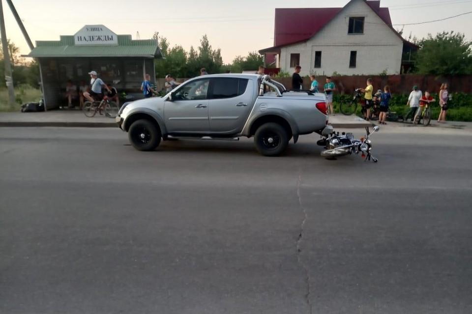 В Липецке подросток на мопеде въехал в иномарку
