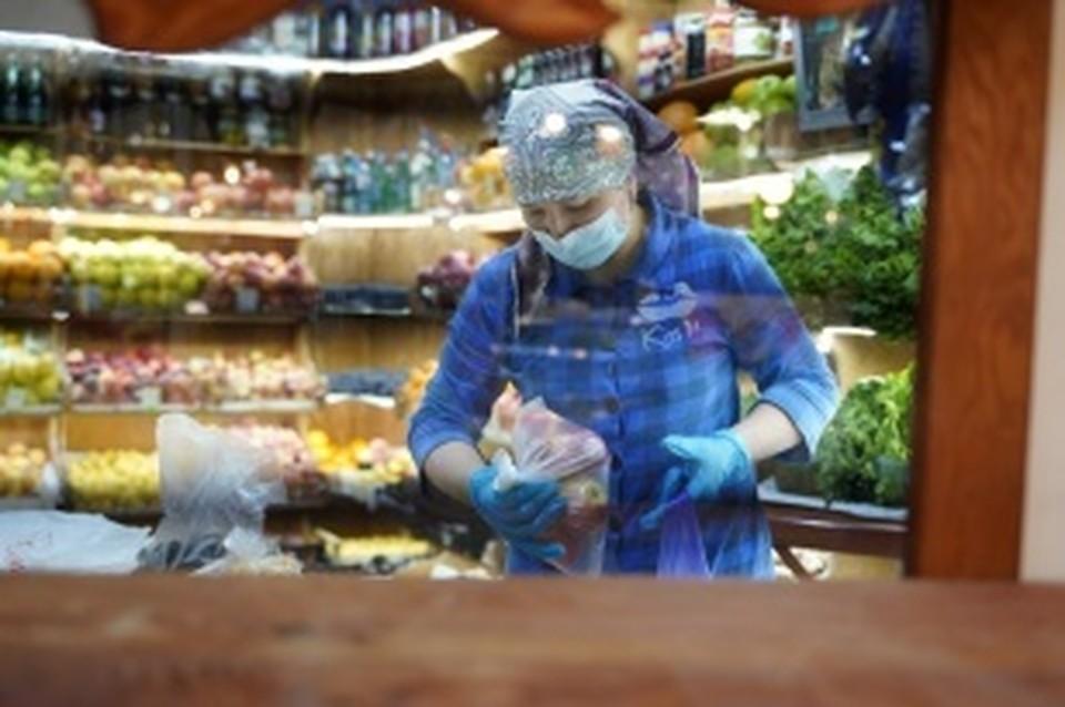 На соблюдение антиковидных мер проверяют местных производителей в Иркутской области. Фото: правительство Иркутской области